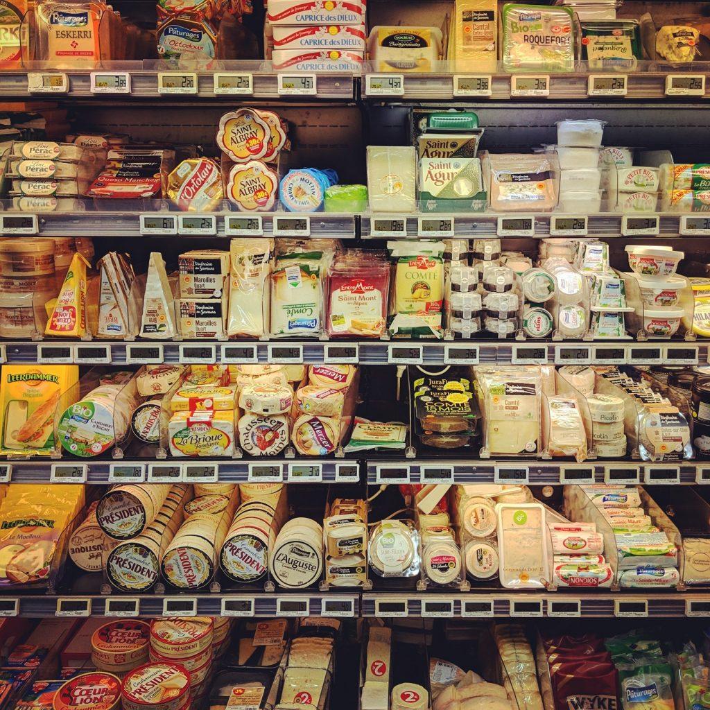 Marketin juustohylly